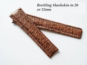 Breitling Sharkskin strap in Honey, Deployant