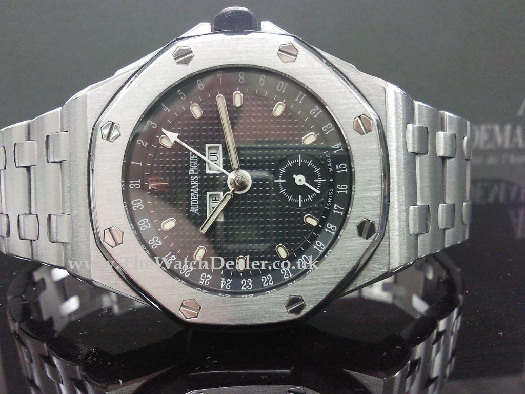 Audemars Piguet Offshore Triple date ***SOLD***